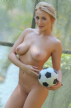 Hot Blonde Babe Isabella D
