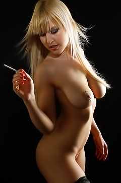 Glamour naked blond smoking