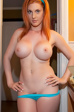 Lilith Lust is washing her sexy curves