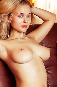 Caroline Abel - perfect natural tits