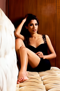 Italian model Freida Pinto
