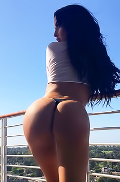 Glamour bootylicious Abigail Ratchford