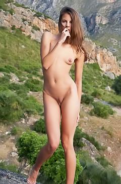 Sexy Antea posing nude in mountains