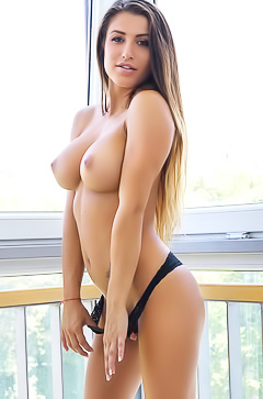 Allison - busty and so sexy babe