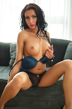 You will reach orgasm with brunette Mikaela