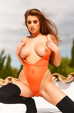 Sexy Sarah and her fire curves