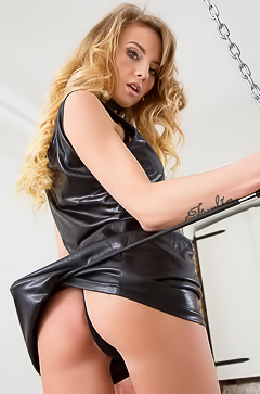 Glamour And Fetish With Stunning Babe Tempe