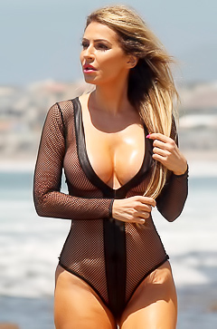 Elite busty model Ana Braga