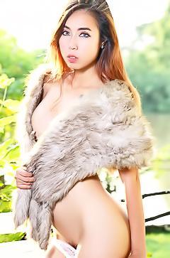 Gorgeous asian slut Lydia Ying