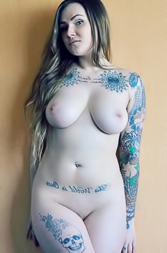 Doe Break - curvy tattooed babe