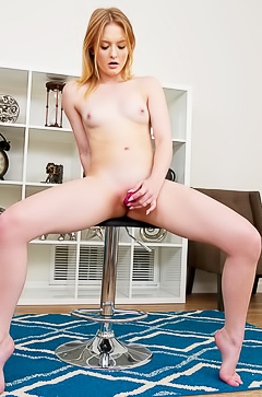 Love Lanna with dildo in her pussy