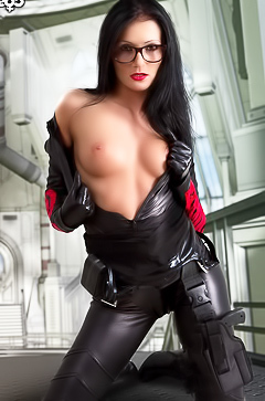 Zorah White - latex hottie