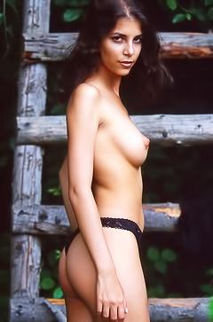 Katka - naked hottie in the field
