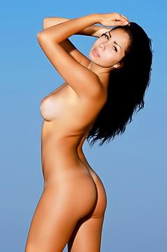 Romana - nude romatic pics