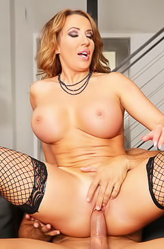 Hot Richelle Ryan is riding so hard