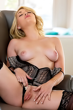 Blondie in black stockings