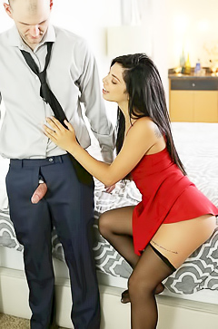 latina Gina Valentina is fucked by the boss