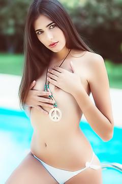 Katrine Pirs in sexy white bikini