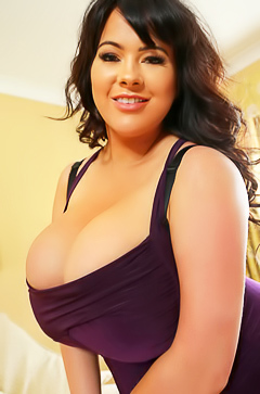 Rachel Aldana Huge Boobs Dont Come Out