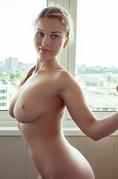 Naked Sexy Caroline Abel