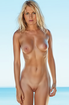 EVA-MARIA KROMER IN PLAYBOY GERMANY