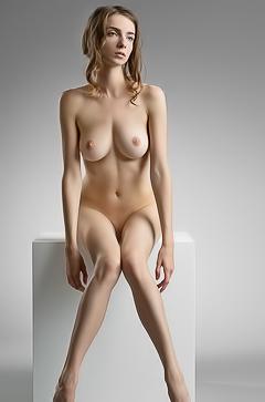 Busty Mariposa Is Nude In The Studio