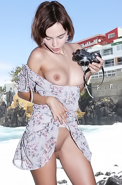 Ariela With Young Pussy And Small Boobs