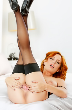 Redhead Ashley Graham Spreading Pussy In Nylons