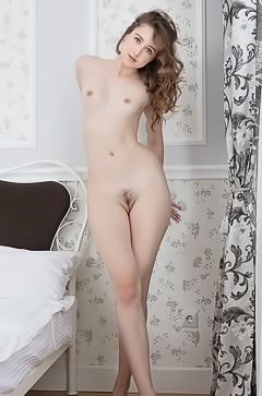 Dara Posing Naked Alone At Home