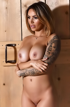 Seductive Gemma Massey Unveils Her Perfect Tits